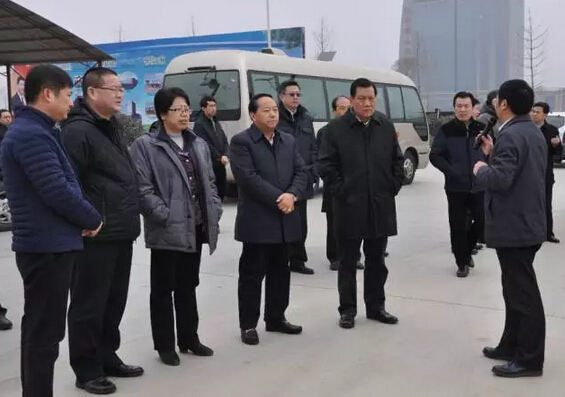 书记陈存根一行,在陕西省直机关工委副书记张普庆,商洛市委书记胡润泽